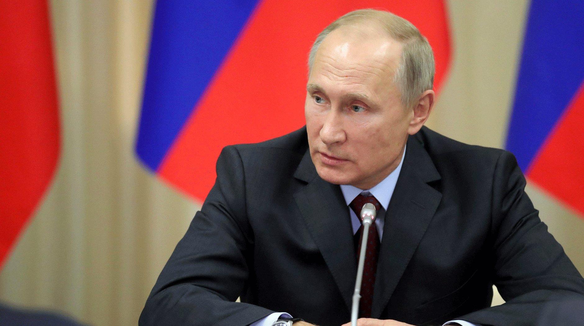 Путин призвал граждан России быть настойчивее вобщении с депутатами