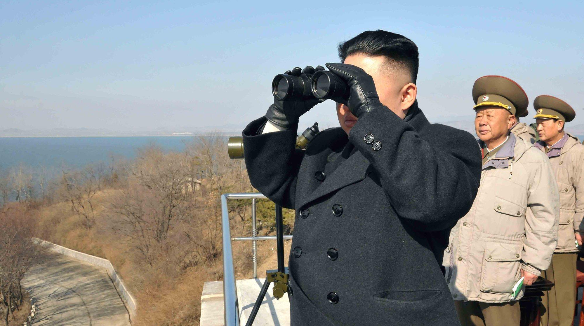 КНДР строит первую ракетную подводную лодку