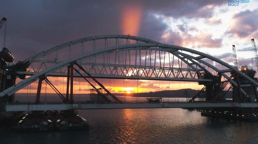 Омелян пожаловался, что Керченский мост ухудшает экономику государства Украины