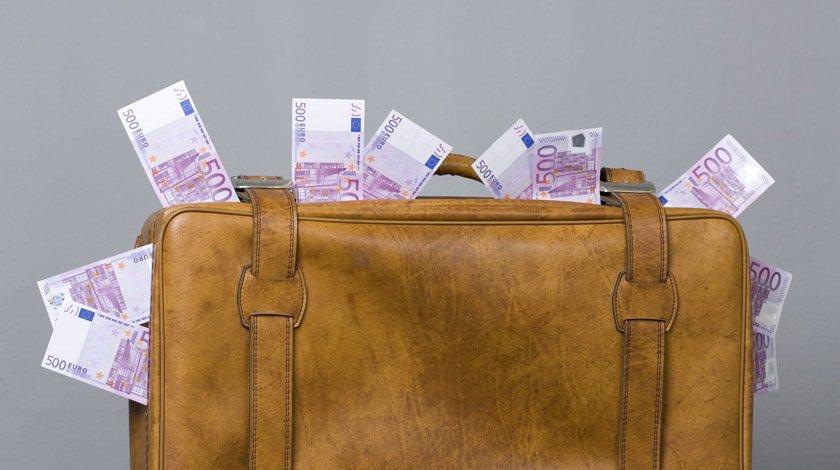 Reuters узнало опланах предпринимателей вернуть деньги в РФ из-за новых санкций
