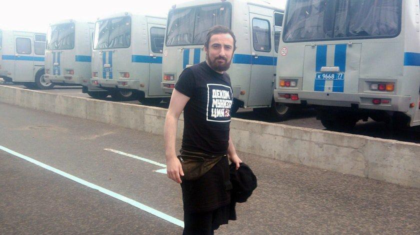 Корреспондентов «Дождя» задержали вовремя акции Дмитрия Энтео наЛубянке