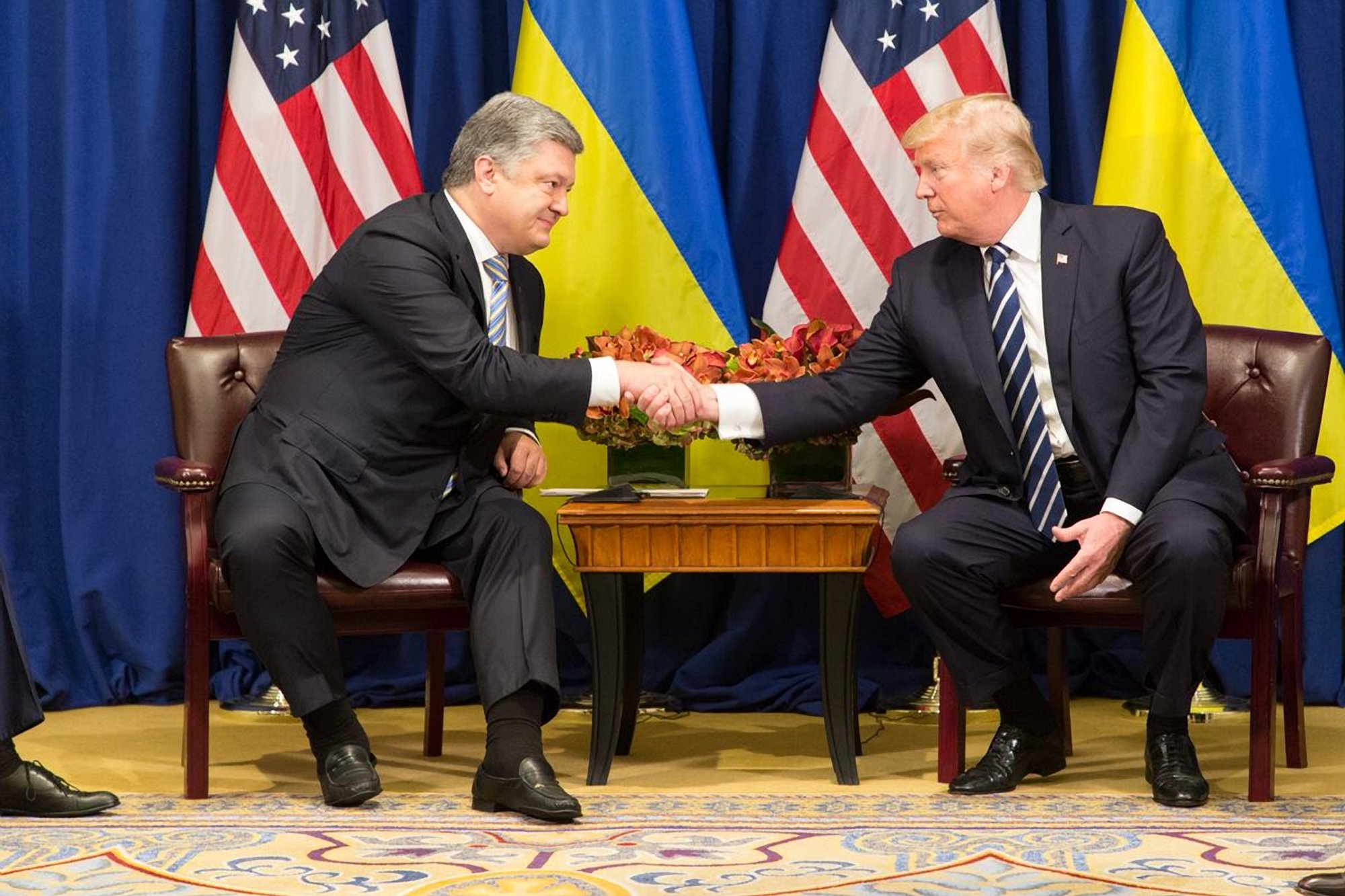 Порошенко поведал, для чего Украине американское смертоносное оружие
