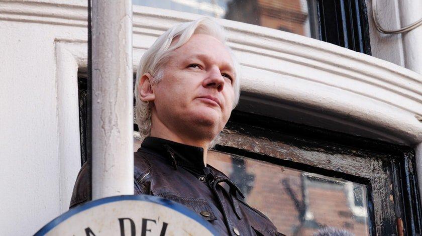 Из социальная сеть Twitter пропал аккаунт основоположника WikiLeaks Ассанжа