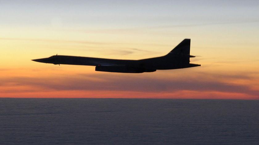 Улучшенный Ту-160 укрепил «ядерную триаду» РФ ввоздухе— Путин