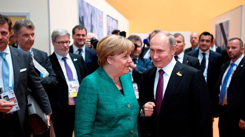 Путин направил Меркель пожелания всвязи спереизбранием канцлером ФРГ