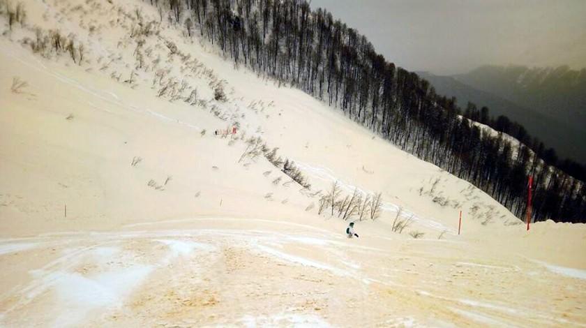 Красная поляна стала желтой: вСочи выпали песчаные осадки
