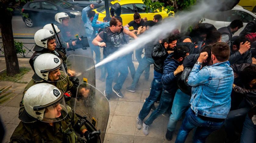 Протесты вЕреване: впроцессе столкновений пострадали 46 человек