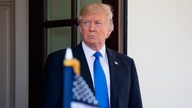 Новых санкций против Российской Федерации  невводит, руб.  пока укрепляется— Трамп расстроен