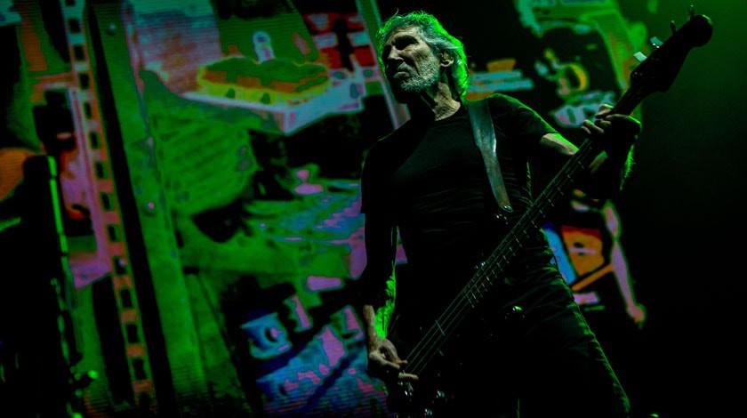 18:44Лидер Pink Floyd поддержал позицию РФ  поСирии