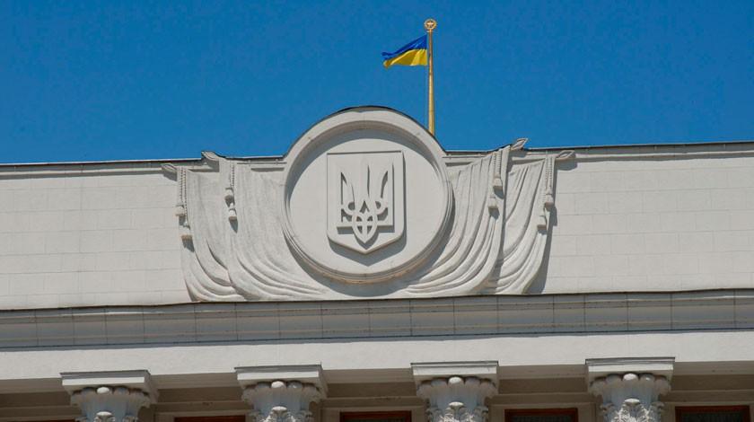 ВУкраинском государстве призвали стянуть войска кгранице сКрымом