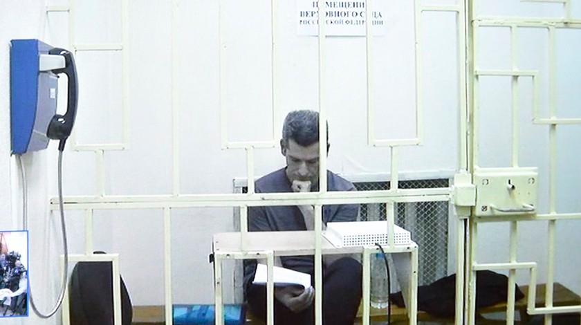Суд арестовал акции 13 компаний группы «Сумма» поделу братьев Магомедовых