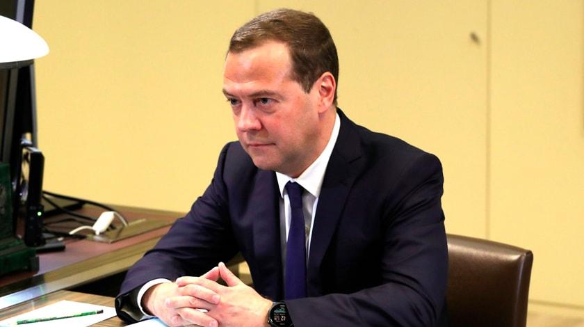 Медведев призвал активнее привлекать частных инвесторов винфраструктурные проекты