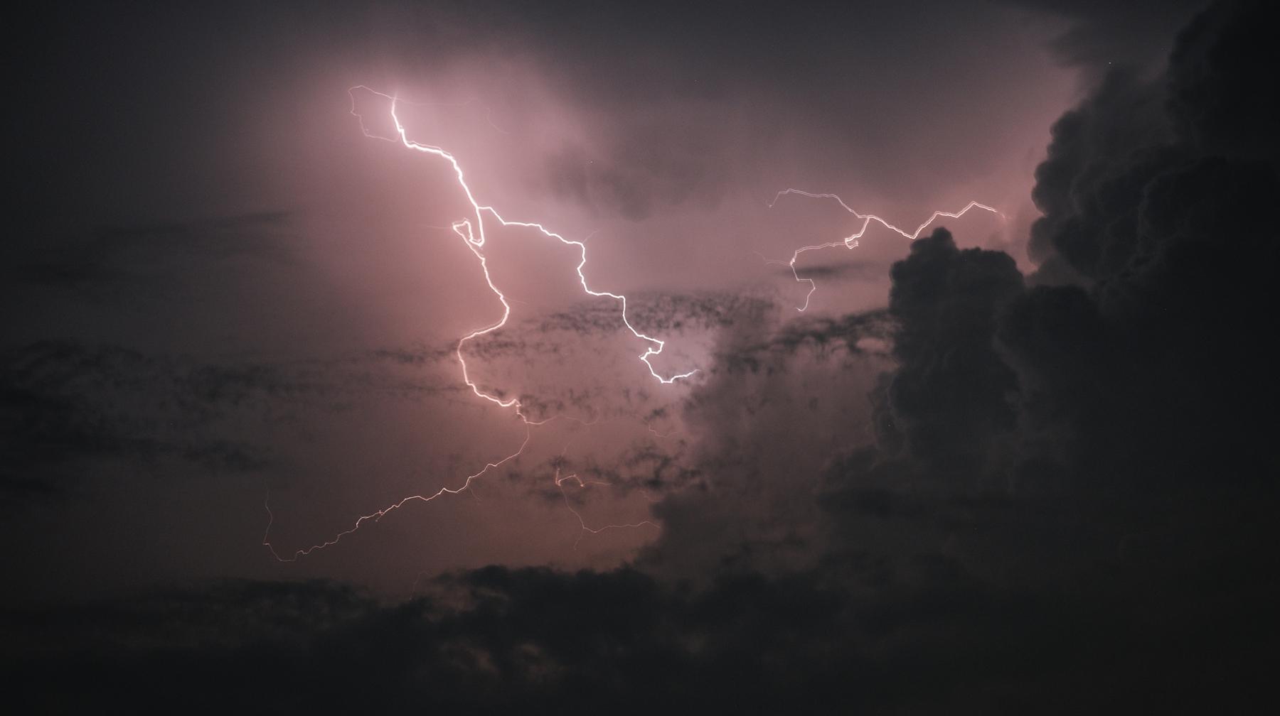 Сухие грозы — главные «убийцы» лесов на планете — Daily Storm