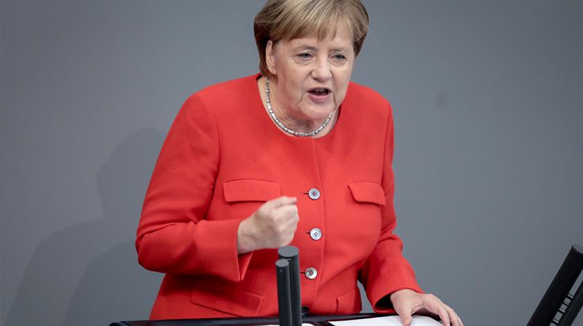 Меркель неисключила, что Германия присоединится кударам поСирии