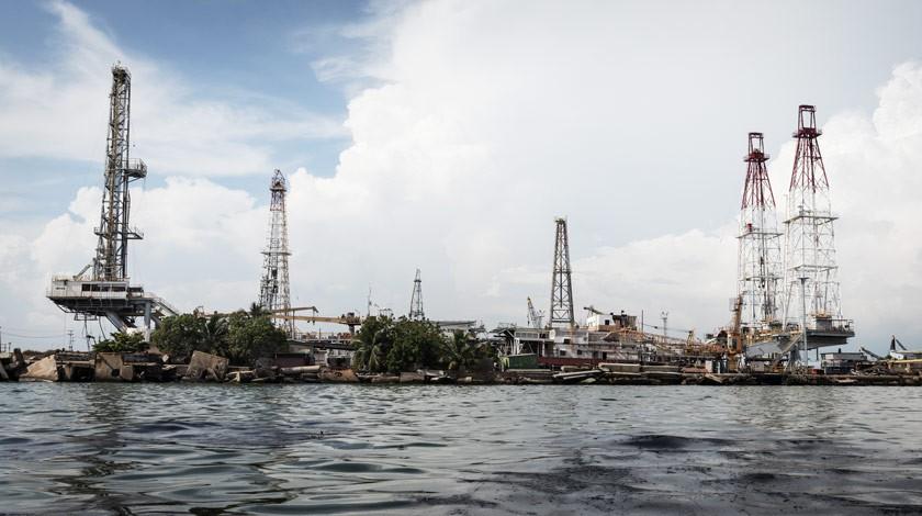 Сечин обсудил сМадуро задержку поставок нефти