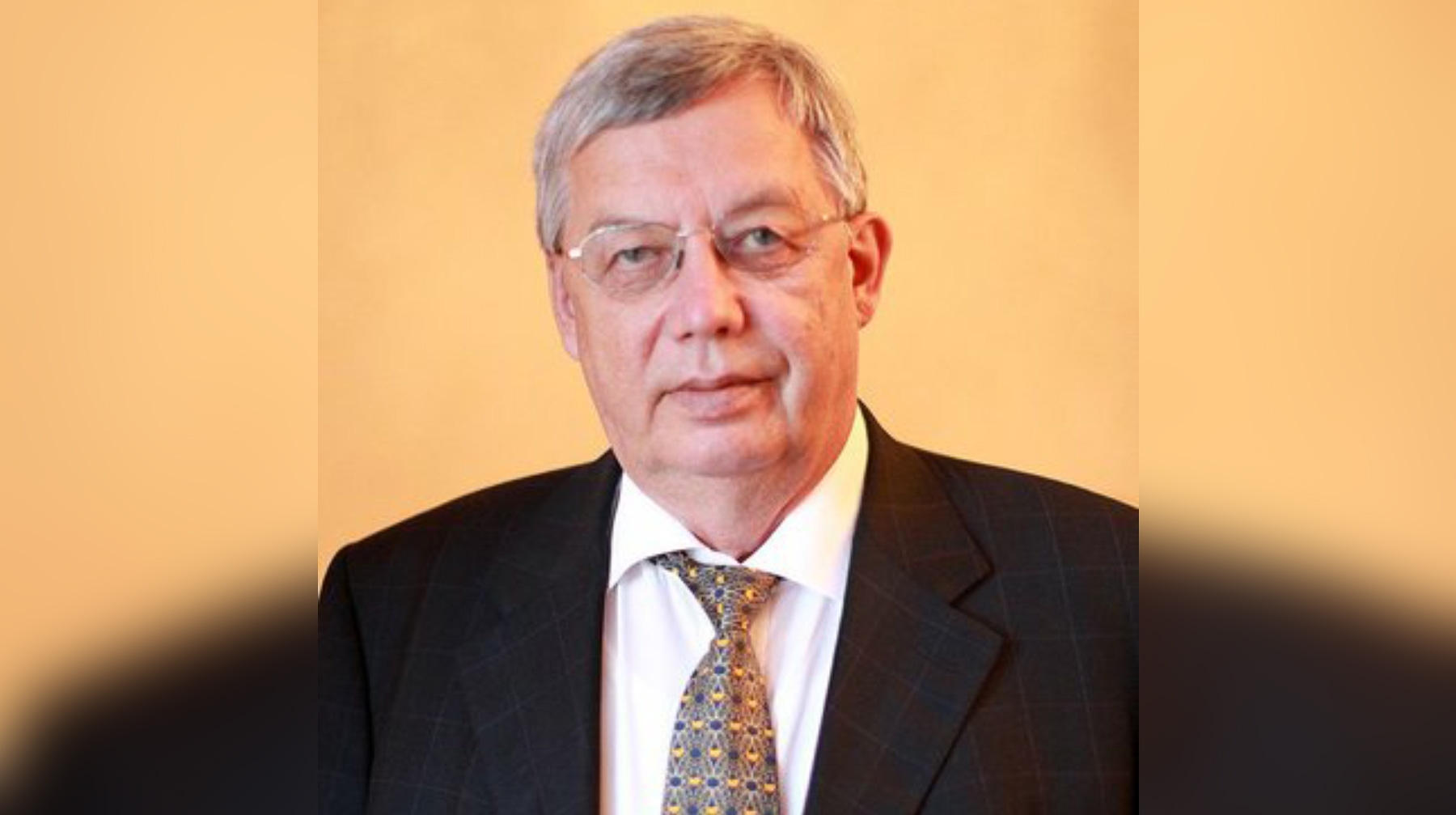 Русский миллиардер подал всуд на министр финансов США