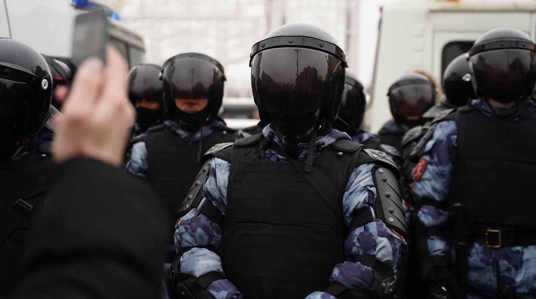 В Москве задержали двоих фигурантов дела о нападении на правоохранителей во время акции 23 января